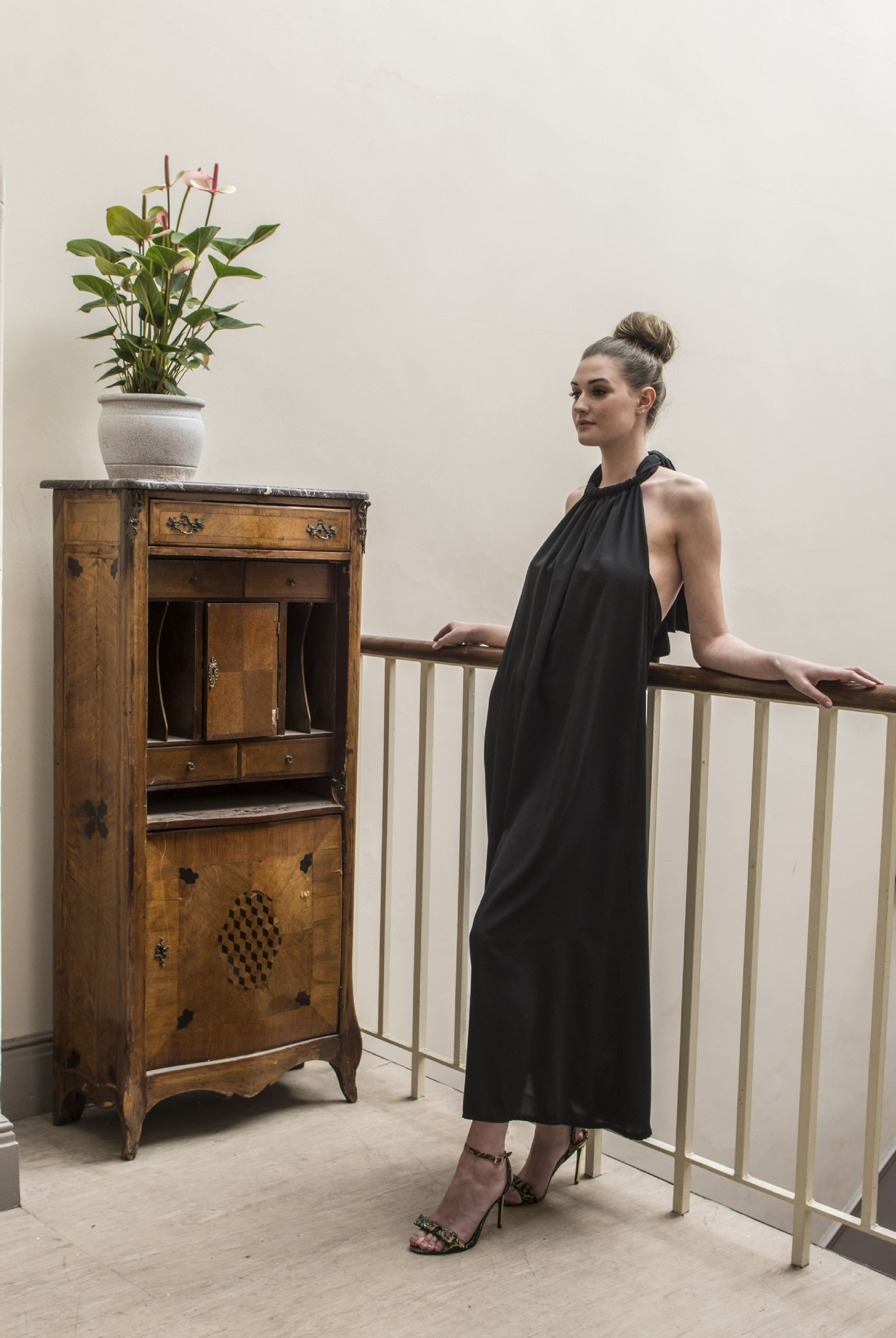 lullah-halter-maxi-dress-in-black-[2]-868-p