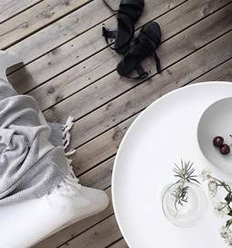 Tradition meets modern luxury with Tama towels where each towel is hand-threaded by the Turkish people in Turkey. So you could say that buying a buying a Tama towel you're bringing a little piece of Turkey into your home.