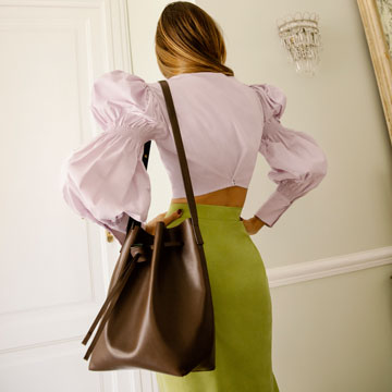 Zoe de Huertas: Contemporary bags. Vegetable tanned, sustainable, timeless, high-quality and responsibly sourced leather bags.
